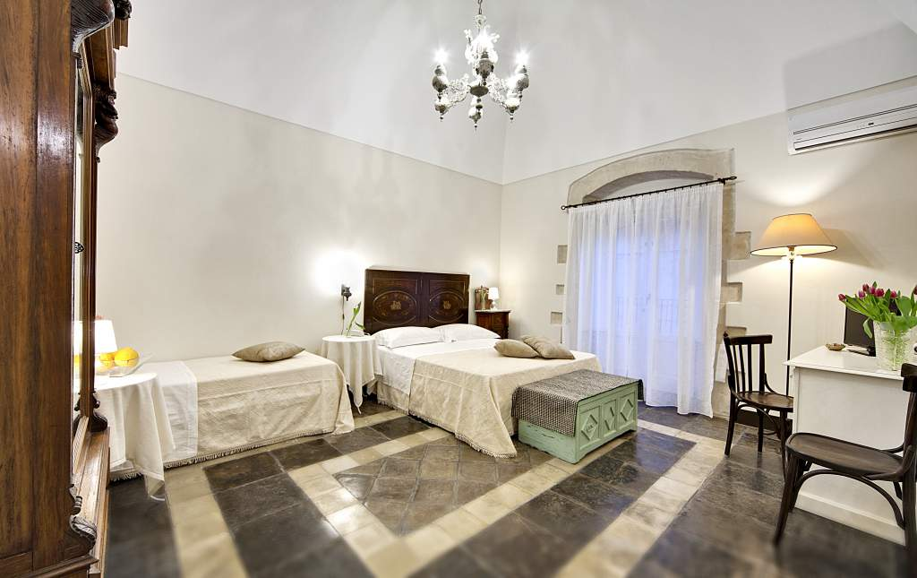 Camera Superior, Hotel Sabbinirica, Ospitalità Sicula, Camera Superior, Ragusa Ibla, Hotel Ragusa Ibla
